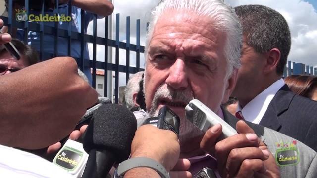 Governador Jaques Wagner chega em Feira de Santana para inaugurar novo complexo policial