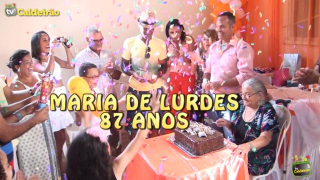 Louvor e muita emoção em comemoração ao aniversário de Maria Lurdes