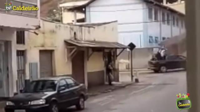 Policial Militar e Vigilante são mortos a tiros por bandidos durante tentativa de assalto à banco