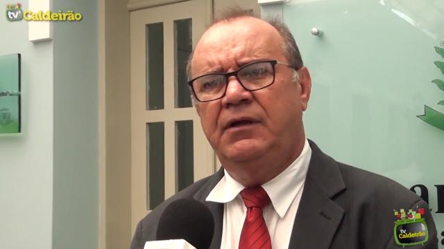 Líder do governo José Carneiro diz que o vereador Tom está sendo arbitrário na condução da eleição para presidente na Câmara Municipal