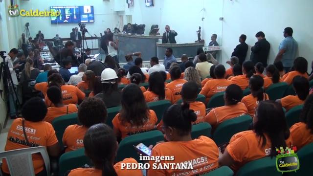 Agentes comunitários de saúde e de endemias fazem manifestação na Câmara de Vereadores para aprovação do projeto